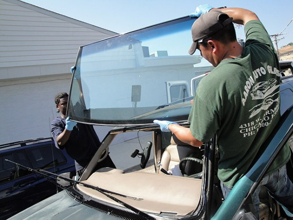 Windshield Services being performed in Indiana